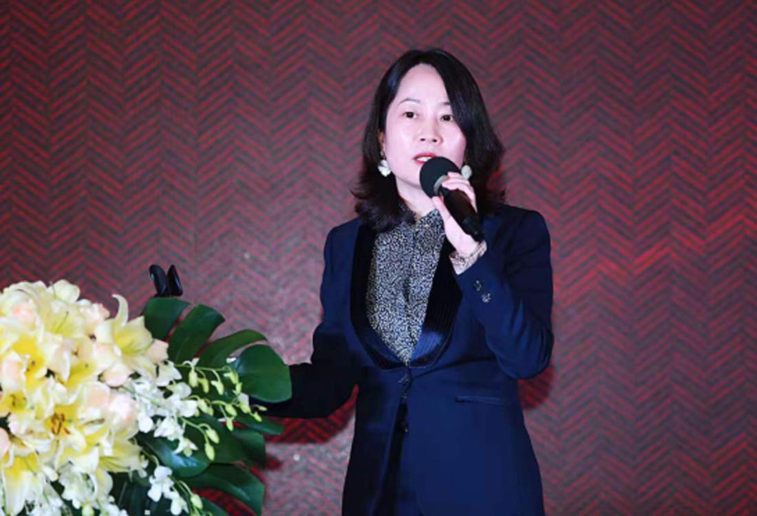 JCC天洋墙布市场副总经理—张一丽女士